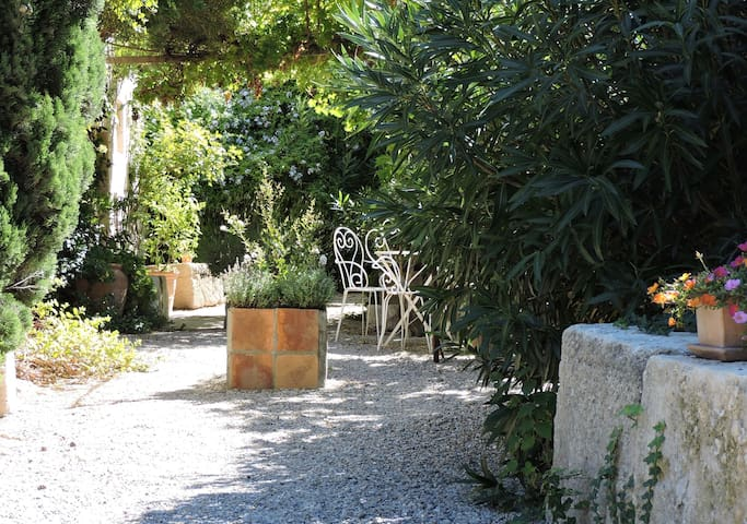 Charming studio in the historic centre - Villeneuve-lès-Avignon