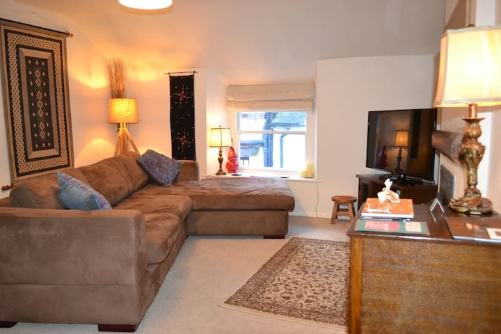 Heart of Bowness 'The Den' - Bowness-on-Windermere - Appartement