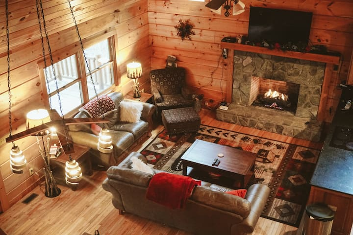 Cozy Cabin in Heart of the Blue Ridge Mountains - Boone - Cabaña