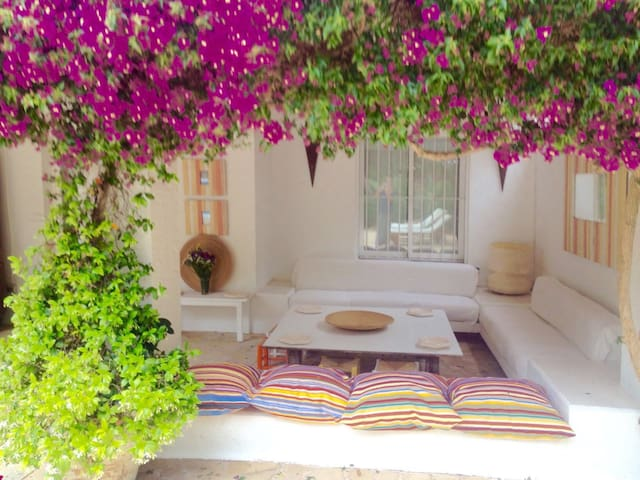 Beautiful house with private pool 10 min to center - Ibiza - Maison