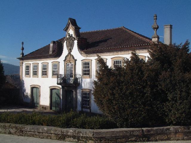 Deluxe Double Room with Balcony at Casa Dos Barros - Sabrosa - Casa