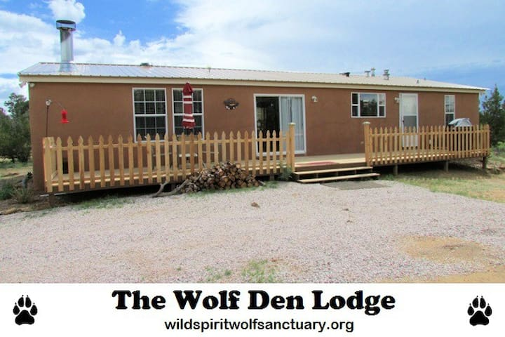 The Wolf Den Lodge - Ramah - Casa
