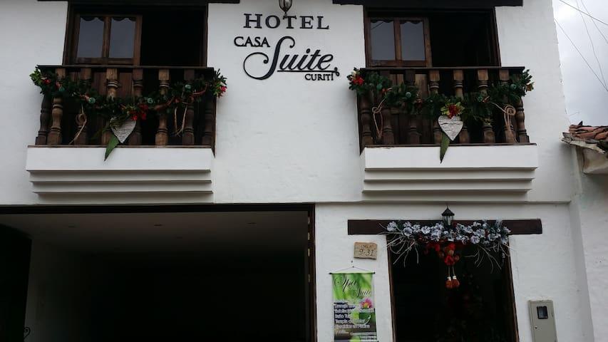 Hab ocupación máx 3 pax. Hotel Casa Suite Curiti - Curiti - Boetiekhotel
