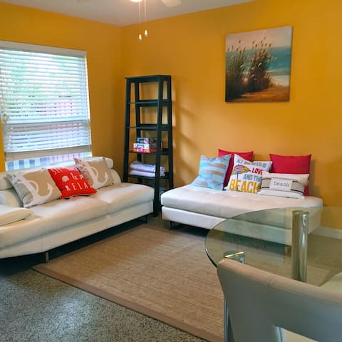NEW! Light Modern Home Walk 2 Beach, Atl. Ave - Delray Beach - Haus