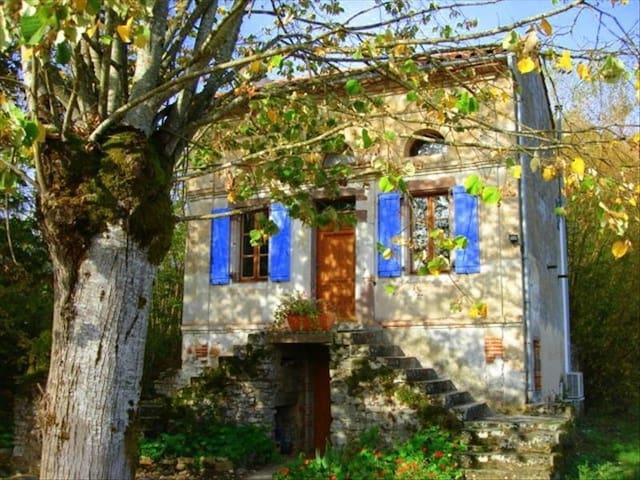 Romantic cottage for 2 - Cordes-sur-Ciel - Talo