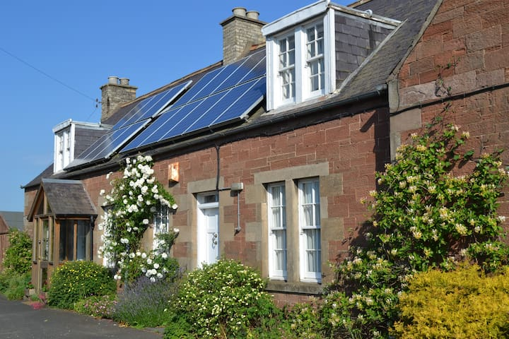 Cottage B&B in the Scottish Borders - Melrose