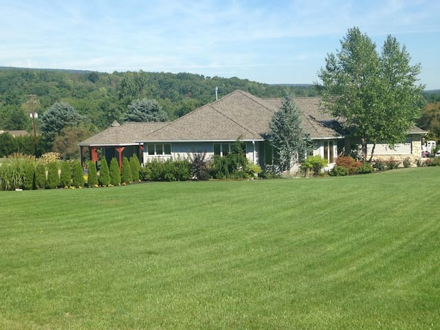 Penn State Football Family Ranch Style Home - Tyrone