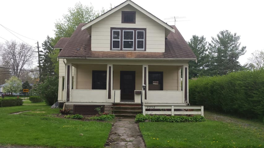 RNC - Home W-New Kitchen&Furnishing - Olmsted Falls - Casa