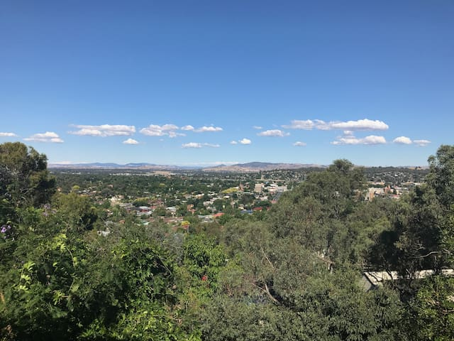 Views on Roper - Albury