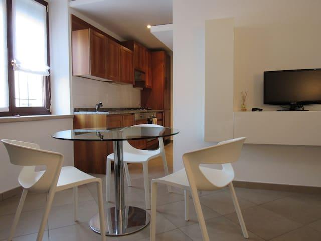 """Appartamento """"Arrivabene"""" - Rivalta sul Mincio - Leilighet"""