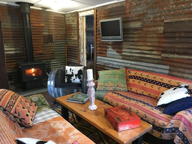 The Potting Shed - Designer Cabin - Wentworth Falls - Houten huisje