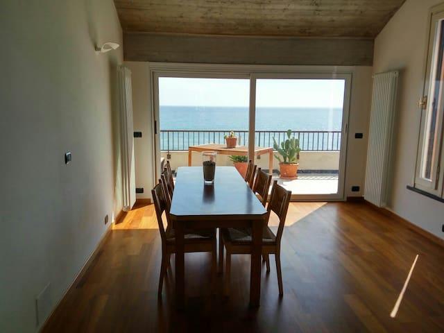 Luxury beachfront penthouse - Deiva Marina - Appartement