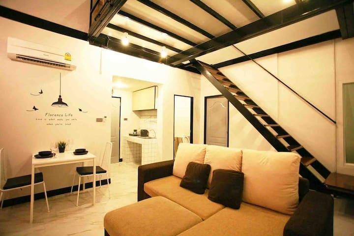 Loft Room near DMK Airport - Pak Kret