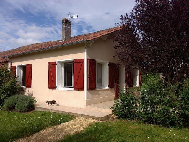 Petite maison en pleine campagne - Creyssensac-et-Pissot - Ev