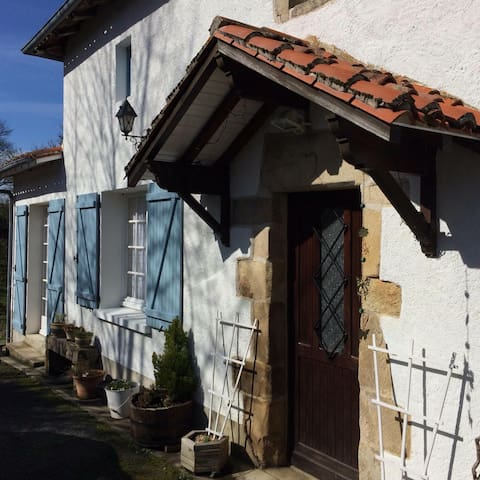 Frachis Cottage; B&B in the French countryside - Bellac - Bed & Breakfast