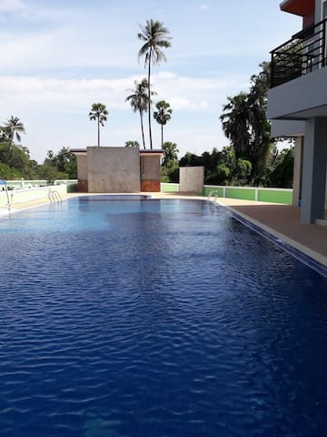 Apartment with pool close to BUU and Bangsaen