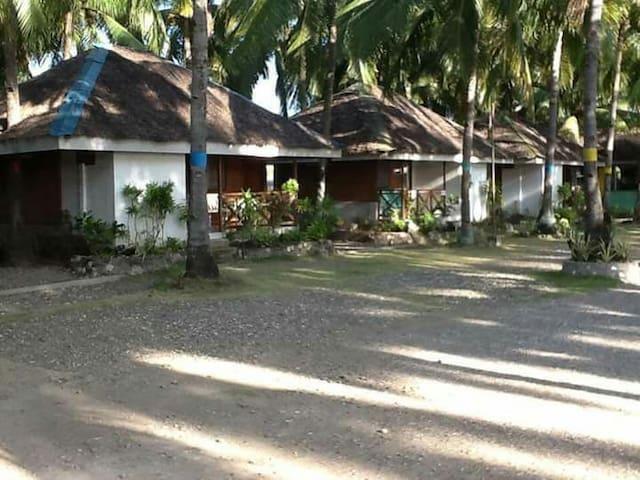 Campuyo Aroma Beach Resort - Manjuyod - Houten huisje