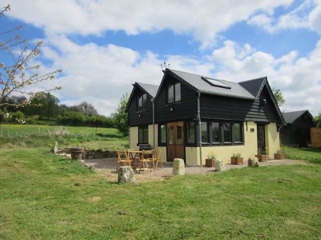 Country retreat in rural Normandy - Ticheville - Huis