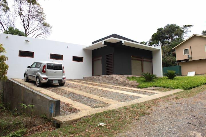 Casa Blue Roatán - Roatan - Maison