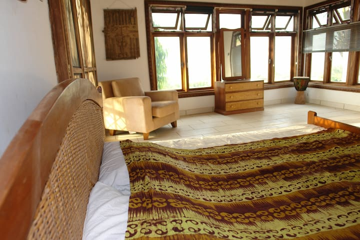 Agape Guest House - airy, bright & family friendly - Accra - House
