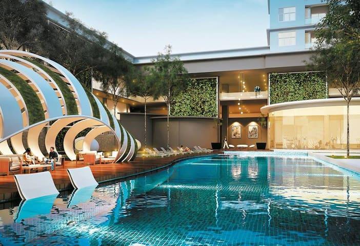 Puchong Jaya Sky.Pod Residence Condominium 6~8 Pax - 蒲種(Puchong) - 公寓