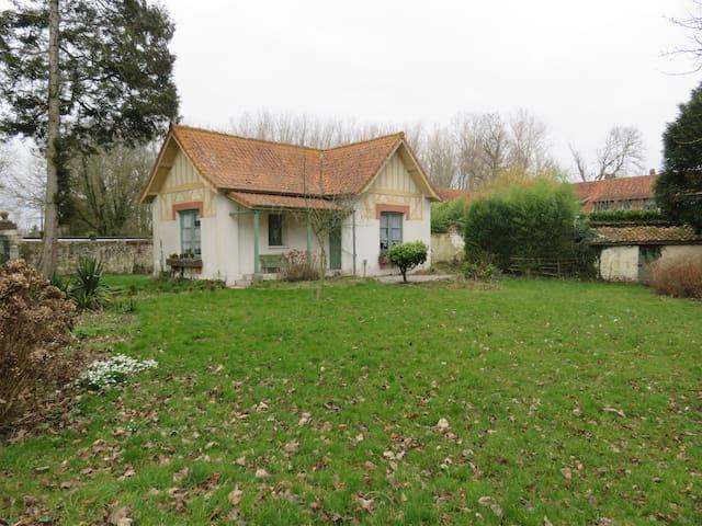 La maison du sous-bois à Ardres - Ardres - Huis