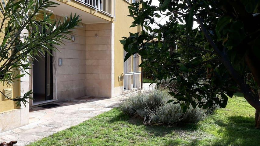 Un tuffo nel blu - luminoso appartamento al mare - Pietra Ligure - Appartement