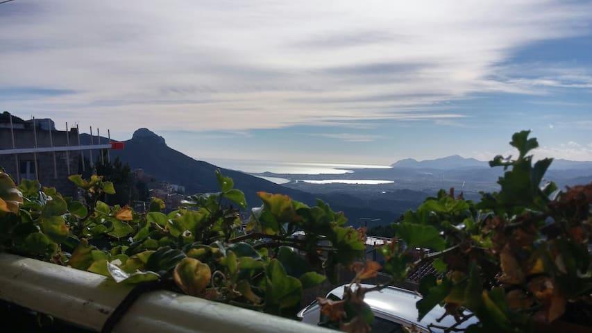 Spazioso appartamento vista mare - Baunei - Daire