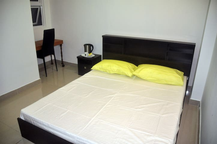 Staying with family - Malé - Appartement
