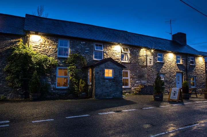 The Forest Arms Brechfa - Brechfa - Bed & Breakfast