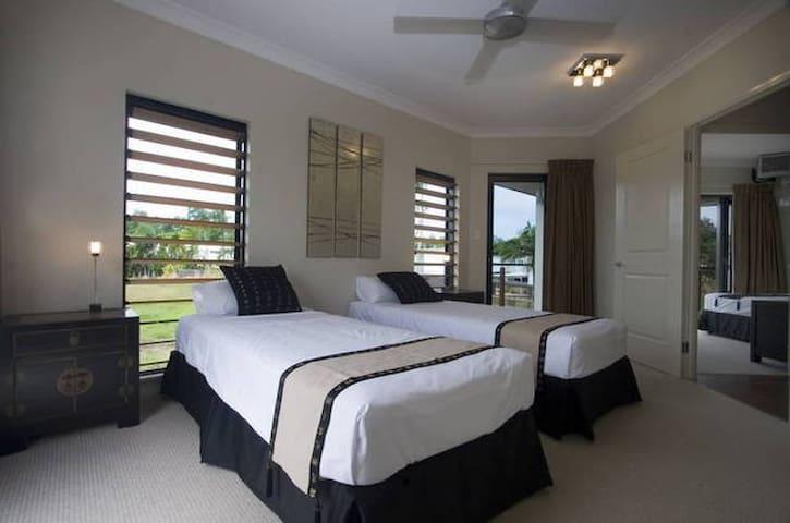 Hai Villa Port Douglas - Port Douglas - Villa