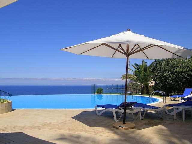 Modern apartment with pool and gym - Funchal - Wohnung