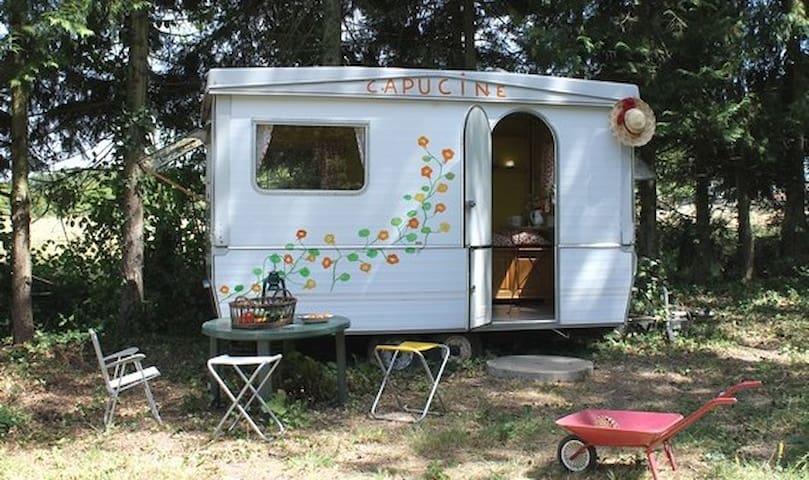 Caravane Capucine - Cinq-Mars-la-Pile - Trailer