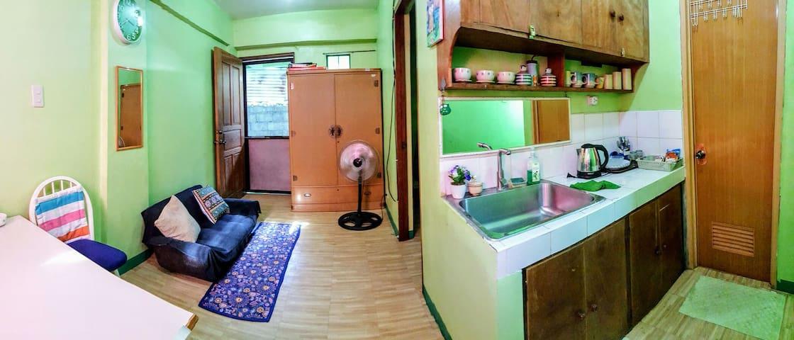 """Home Away from Home"" Apartment in Coron - Coron - Leilighet"