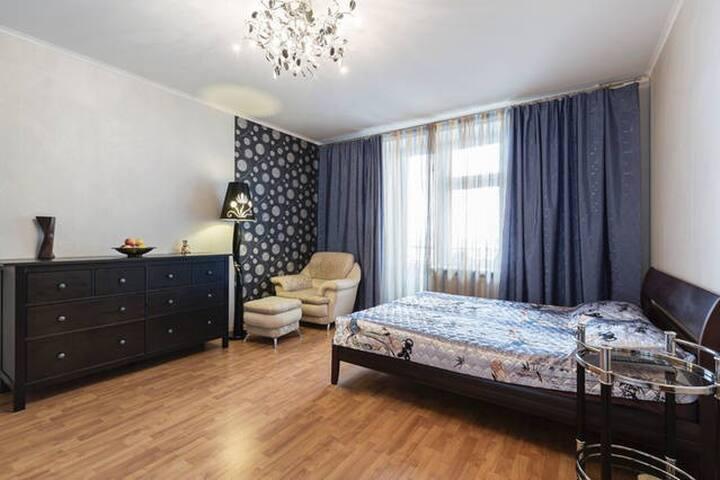 Просторная однокомнатная квартира - Sankt-Peterburg - Appartement