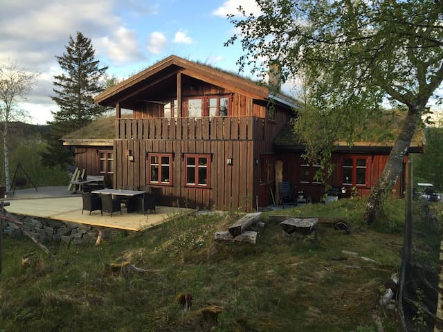 Villmarkshus på naturtomt - Frosta - Huis