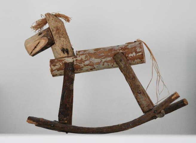Slapen bij de 'paardenboer' - Waarland - Kulübe