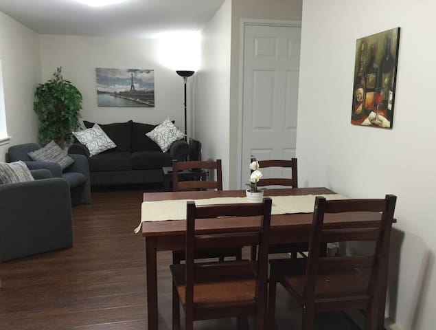 INGERSOLL, ON. Fresh, Clean + Practical Studio Apt - Ingersoll - Appartement