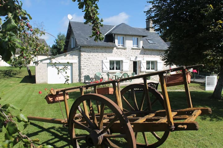Gîte Millevaches Monédières - Bonnefond - Hus
