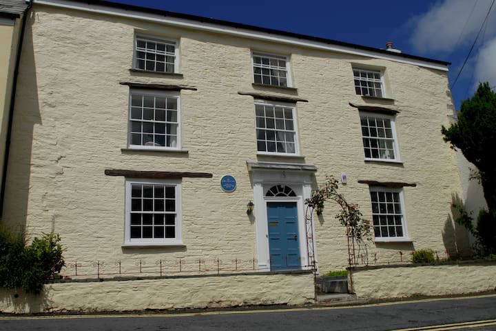 Historic house full of character for 12 people. - Camelford - Semesterboende