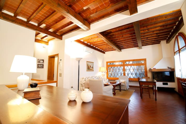 Villa nelle colline toscane - Montelupo Fiorentino - Casa