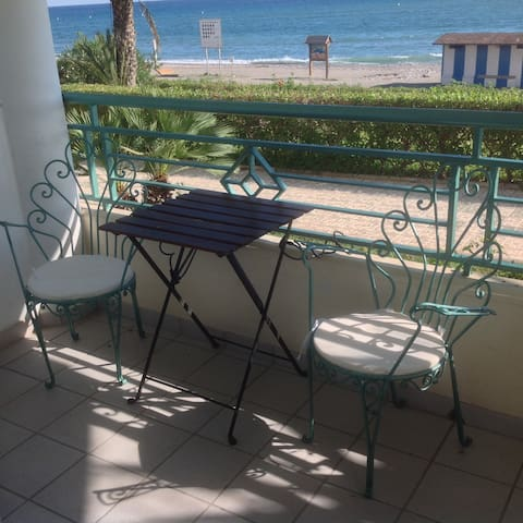 Directly on the Beach!+Pool&Parking - Torrox - Lägenhet