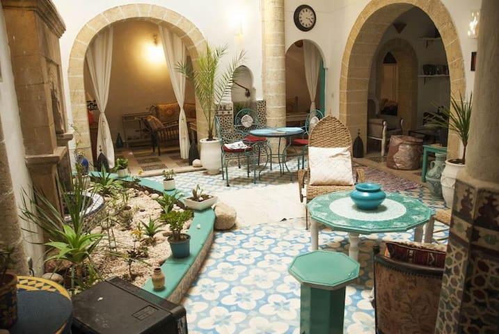 Riad Lalla Zina : 2 pers - Essaouira - Bed & Breakfast