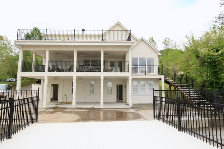 Mountain Lake House Getaway - Jefferson City - Huis