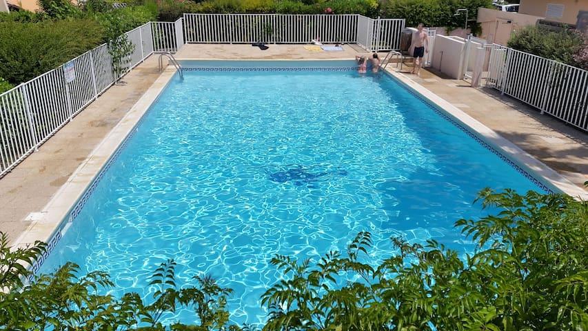 2 pièces 4 pers. Sanary Var piscine plage parking - Sanary-sur-Mer - Departamento