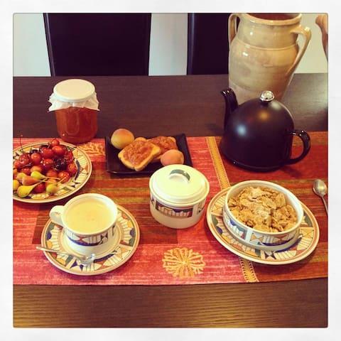 IL MULINO, Bed and Breakfast stanza n.4 - Locri - Oda + Kahvaltı