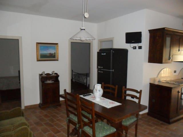 apartment for 3 people - Monte Santa Maria Tiberina