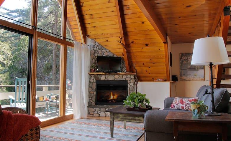Toad Haven Cottage - Crestline CA - Crestline - Ξυλόσπιτο