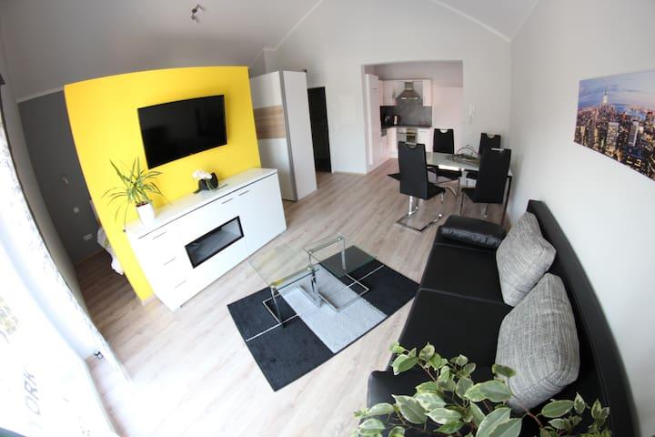 Modernes Ein-Zimmer-Apartment mit Balkon - Rülzheim - Appartement en résidence