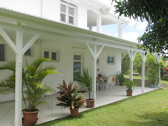 Location de vacances à la campagne, en Martinique - Sainte-Marie - Leilighet